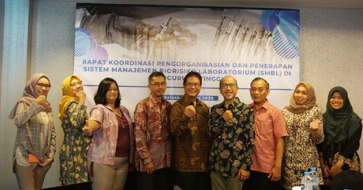 The INDOHUN-OHLN Expert Team and resource persons